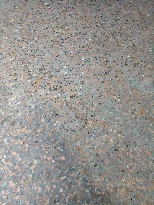 青岛海嘉塑胶材料有限公司地面